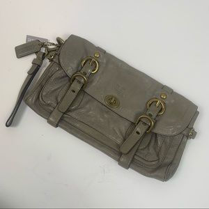 COACH OLIVE/TAUPE LEATHER CLUTCH BAG
